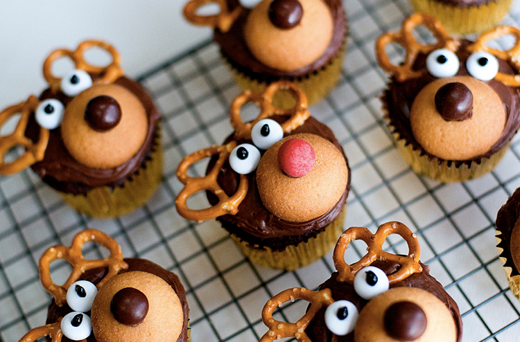 Pretzel Rudolph the red Nose Reindeer Cupcakes